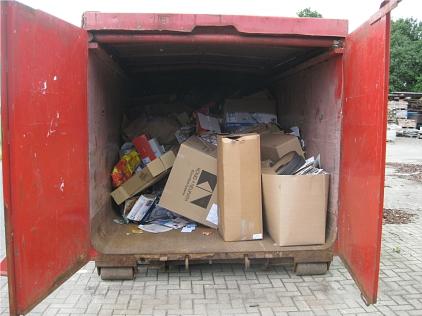 2012-06-02 Altpapiercontainer