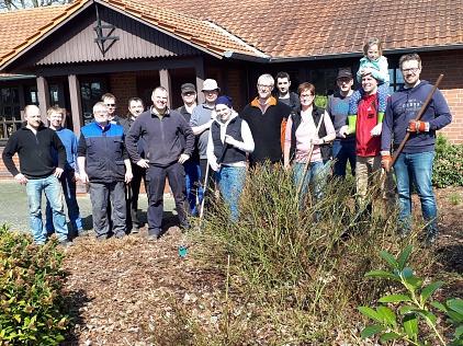 2018-04-07 Arbeitseinsatz Sportzentrum©TSV Essern (K. Wesemann)